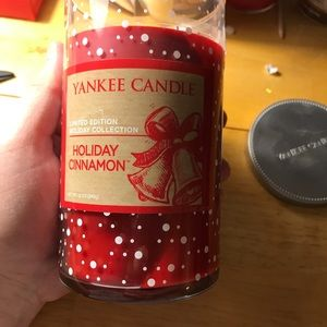 Yankee Candle Accessories - Yankee Candle Holiday Cinnamon NEW